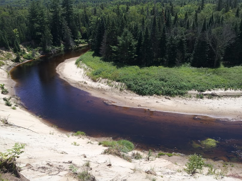 the curving east river in Arrowhead Provincial Park at Big Bend Lookout